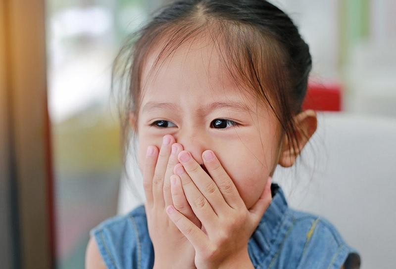 https: img.okezone.com content 2020 10 15 481 2294245 anak-sariawan-obat-oles-atau-kumur-yang-manjur-diberikan-GblhQtQAZE.jpg