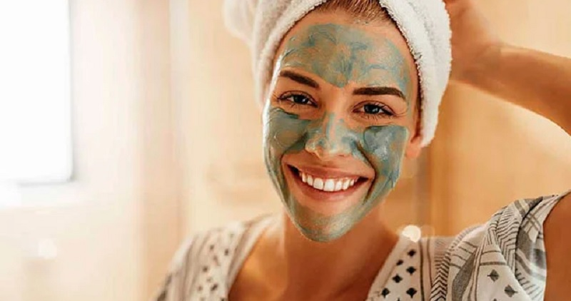https: img.okezone.com content 2020 10 15 611 2294115 beautypedia-apa-itu-masker-wajah-fYl2mmLAK7.jpg