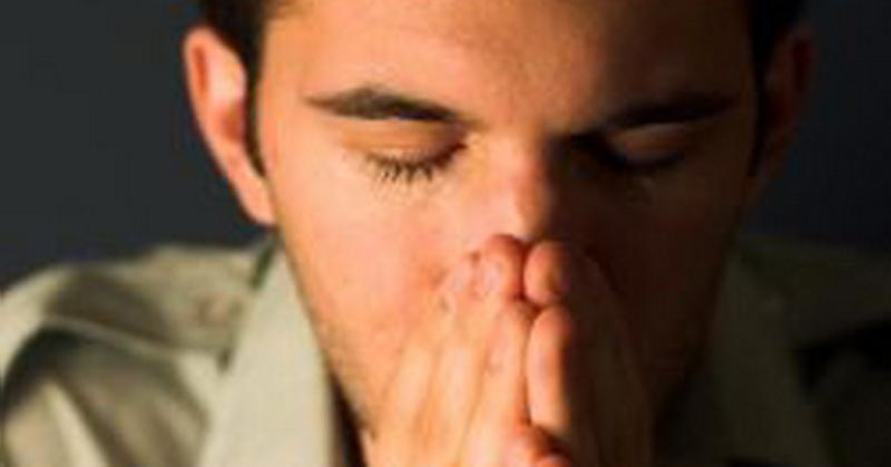https: img.okezone.com content 2020 10 15 612 2293952 hilangkan-stres-hampir-8-tahun-pekerjaan-pria-ini-bikin-orang-menangis-LOYhOEAAps.jpg