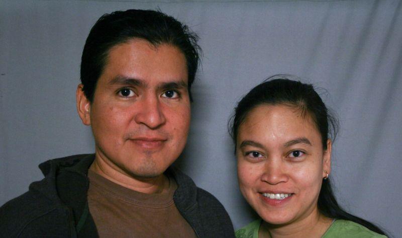 https: img.okezone.com content 2020 10 15 612 2294011 jodoh-tak-kemana-berawal-dari-email-pasangan-beda-benua-ini-akhirnya-menikah-HXZBQAMGLp.jpg