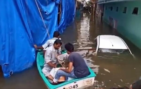 https: img.okezone.com content 2020 10 16 18 2294662 hujan-lebat-dan-banjir-bandang-tewaskan-setidaknya-30-orang-di-selatan-india-GTywZm3stW.jpg