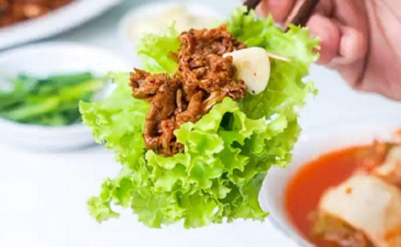 https: img.okezone.com content 2020 10 16 298 2294694 kangen-masakan-korea-bikin-korean-spicy-grilled-beef-yuk-XWwepEobBR.jpg