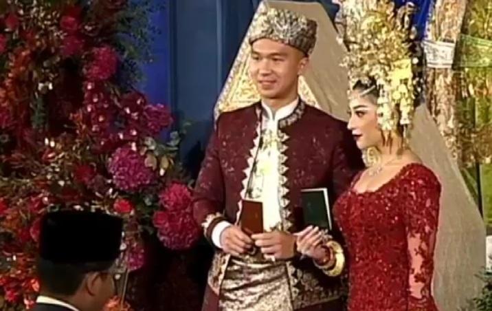 https: img.okezone.com content 2020 10 16 33 2294606 nikita-willy-dan-indra-priawan-lega-usai-ijab-kabul-5wC3BZYyxd.jpg