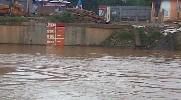 https: img.okezone.com content 2020 10 16 338 2294867 jakarta-diguyur-hujan-deras-pintu-air-pulo-gadung-siaga-3-dan-jembatan-merah-siaga-2-lM45JQkVHG.jpg