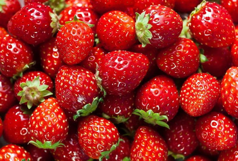 https: img.okezone.com content 2020 10 16 481 2294538 khasiat-buah-stroberi-cegah-kanker-hingga-tingkatkan-sistem-imun-ByN1Qur1D3.jpg