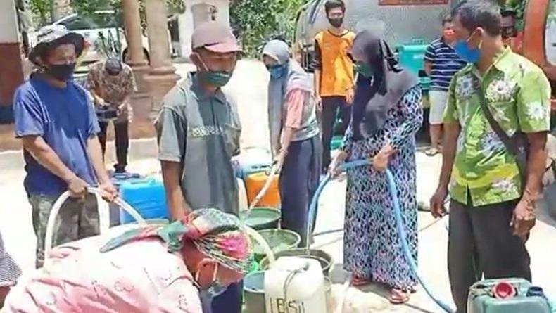 Kemarau Panjang 23 Desa Di Pasuruan Kesulitan Air Bersih Okezone News