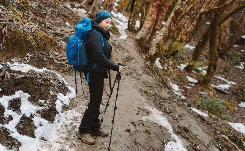 https: img.okezone.com content 2020 10 16 549 2294802 naik-gunung-himalaya-nikita-willy-i-love-nature-O4eSJ9Sypp.jpg