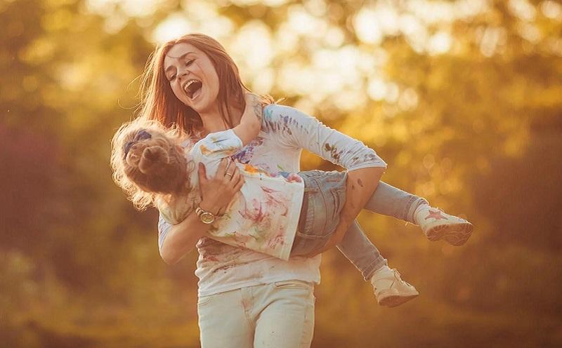 https: img.okezone.com content 2020 10 16 612 2294682 ingin-jadi-orangtua-yang-baik-ini-3-hal-yang-harus-dihindari-C15V8sKtjY.jpg