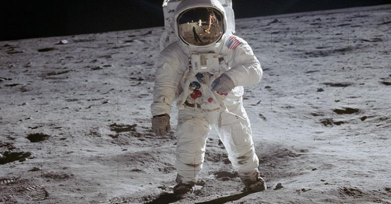 https: img.okezone.com content 2020 10 17 16 2295101 daftar-astronot-terbaik-salah-satunya-pernah-menginjakkan-kaki-di-bulan-w0RXKXcNky.jpg