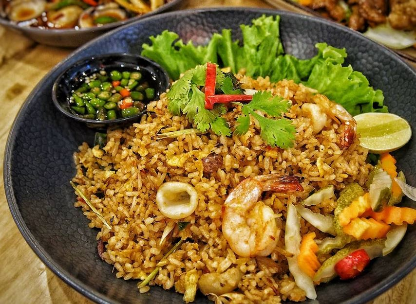 https: img.okezone.com content 2020 10 17 301 2295078 wajib-coba-ini-5-kuliner-thailand-untuk-traveler-pemula-Wwmn1lGHHC.JPG