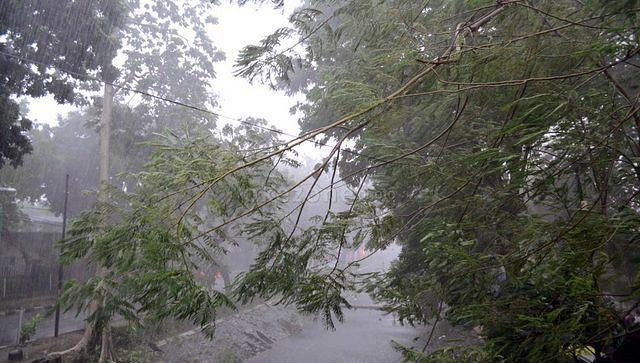 https: img.okezone.com content 2020 10 17 337 2295032 cuaca-ekstrem-siap-landa-indonesia-bagaimana-strategi-bnpb-DUKKtCnE3d.jpg