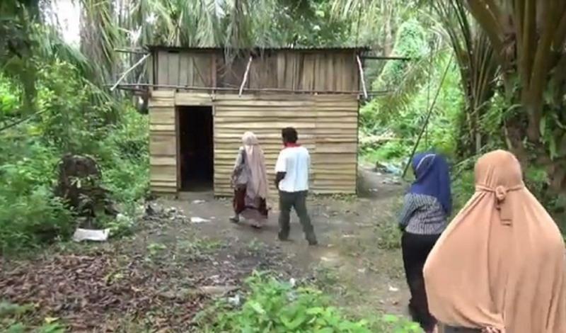 https: img.okezone.com content 2020 10 17 340 2295087 ini-kondisi-rumah-rangga-korban-pembunuhan-pembela-sang-ibu-dari-pemerkosaan-BH3M95NRdR.jpg