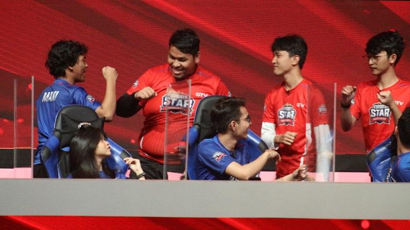 https: img.okezone.com content 2020 10 18 16 2295413 pertama-kalinya-terjadi-pergantian-pemain-di-match-knock-out-esports-star-indonesia-4QHa5JDWzv.jpg