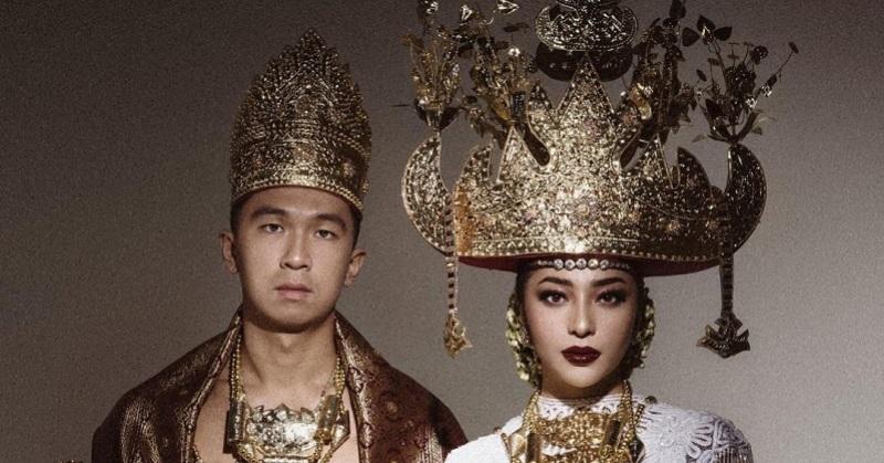https: img.okezone.com content 2020 10 18 33 2295441 alasan-nikita-willy-tunjuk-banyak-desainer-dan-makeup-artis-untuk-pernikahan-FgG7DBS3ms.jpg