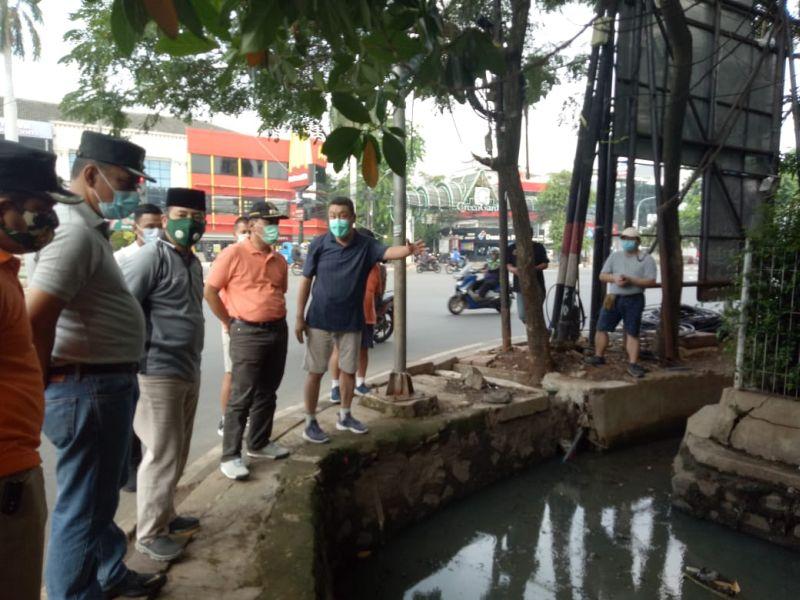 https: img.okezone.com content 2020 10 18 338 2295589 atasi-banjir-pemkot-jakbar-akan-bangun-kolam-kolakan-di-kebon-jeruk-fUOxsAJfgW.jpg