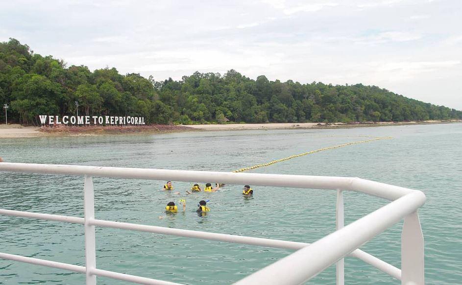 https: img.okezone.com content 2020 10 18 408 2295382 kepri-coral-wisata-bawah-laut-eksotis-di-batam-yang-patut-diperhitungkan-l2L5he7FzP.JPG