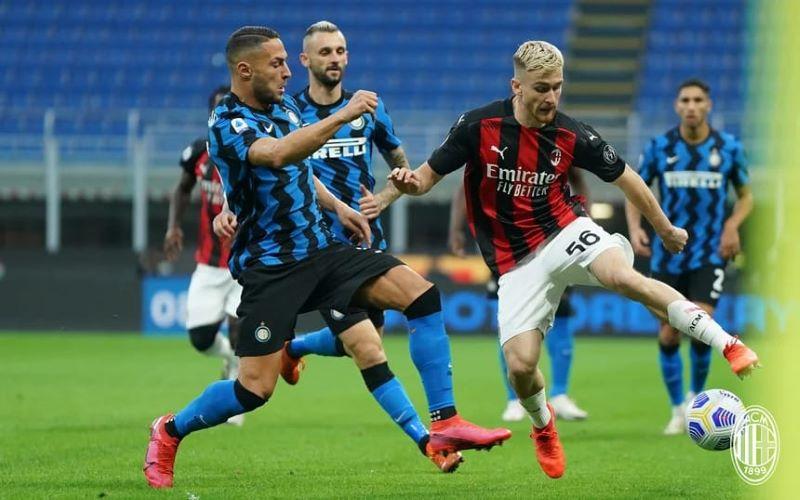 https: img.okezone.com content 2020 10 18 47 2295368 hasil-liga-italia-semalam-ac-milan-menangi-derby-juventus-tertahan-UP93X8Pbsd.jpg