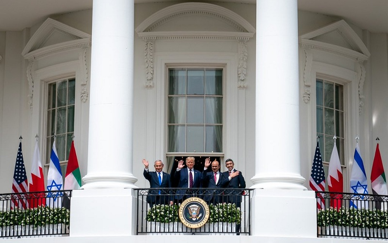 https: img.okezone.com content 2020 10 19 18 2295783 bahrain-dan-israel-resmi-jalin-hubungan-diplomatik-mlWE9FYLi8.jpg