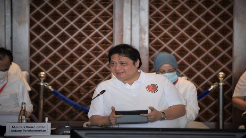 https: img.okezone.com content 2020 10 19 320 2296135 menko-airlangga-ajak-pengusaha-jerman-dukung-pemulihan-ekonomi-indonesia-dugJE2orwL.jpg