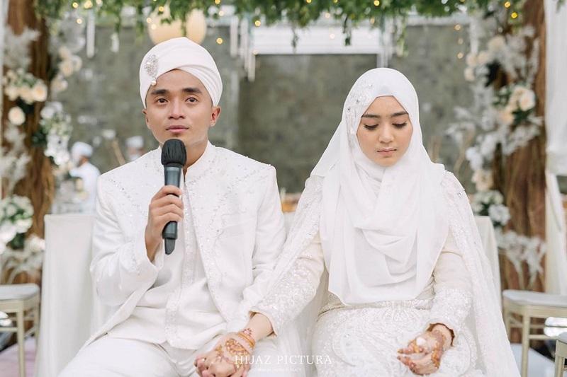 Taqy Malik Pamer Suasana Romantis di Kamar Pengant