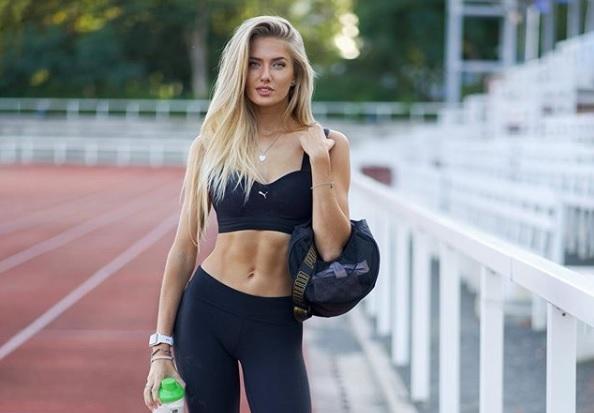 https: img.okezone.com content 2020 10 19 43 2295888 5-fakta-alica-schmidt-atlet-lari-seksi-idola-kaum-adam-huNtCXXGkO.jpg