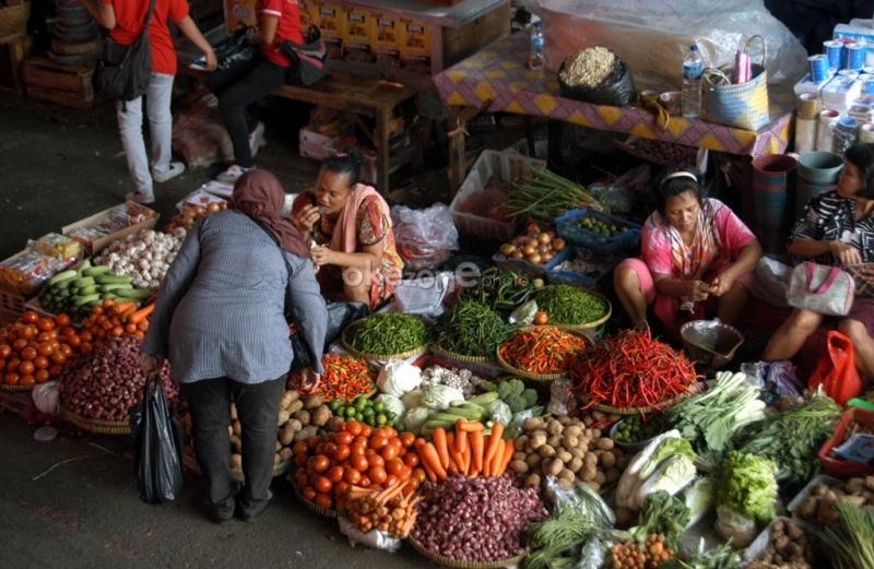 https: img.okezone.com content 2020 10 19 455 2295808 jelang-resesi-coba-bisnis-jastip-sayuran-buat-emak-emak-komplek-tUs2Du0Zjr.jpg