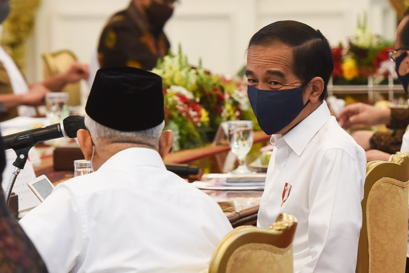 1 Tahun Jokowi-Ma\'ruf, Pangkas BUMN hingga Pembentukan Holding
