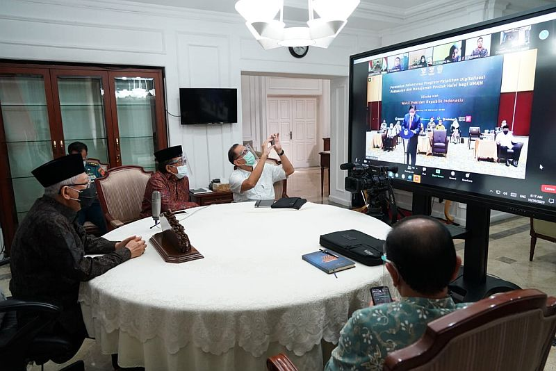 https: img.okezone.com content 2020 10 20 320 2296490 begini-cara-dorong-industri-halal-nasional-mendunia-7QD4UJoUXo.jpg