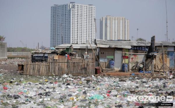 https: img.okezone.com content 2020 10 21 320 2297362 indonesia-resesi-kemiskinan-hingga-pengangguran-melonjak-OA8h0ivm2E.jpg