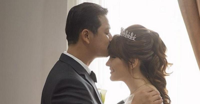 https: img.okezone.com content 2020 10 21 33 2296970 lepas-status-janda-angela-lee-resmi-menikah-dengan-kekasihnya-XPvA7y2YOi.jpg