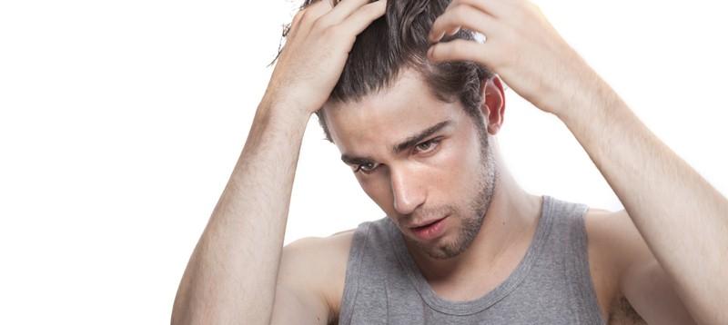 https: img.okezone.com content 2020 10 21 481 2297214 5-tanda-rambut-berketombe-salah-satunya-gatal-di-kulit-kepala-HvZMy1XmBK.jpg