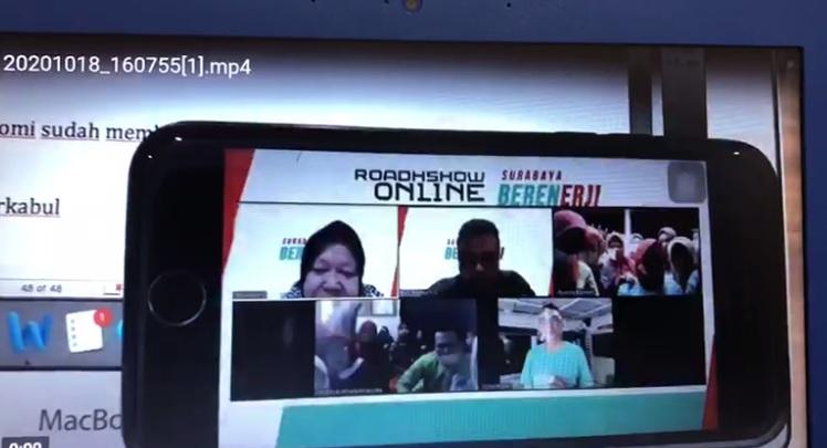 https: img.okezone.com content 2020 10 21 519 2297183 viral-video-risma-kampanye-terselubung-dukung-ery-cahyadi-beredar-pzhfsGq7ID.jpg