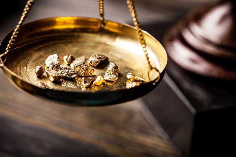 https: img.okezone.com content 2020 10 22 278 2297752 rekor-penjualan-emas-antam-meroket-147-di-kuartal-iii-R3Io67QpkX.jpg