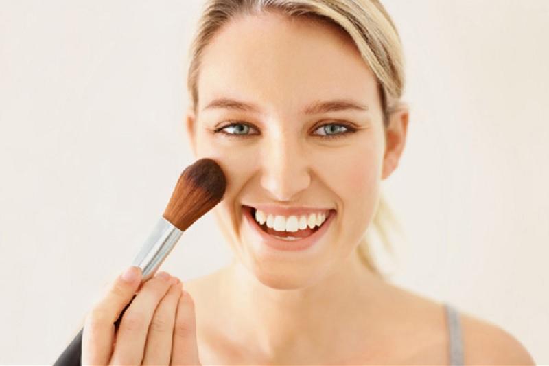 https: img.okezone.com content 2020 10 22 611 2297709 beautypedia-apa-itu-blush-on-MIyARE6jqm.jpg