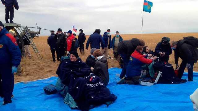 Trio Astronaut Amerika dan Rusia Mendarat Selamat