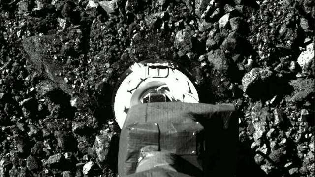https: img.okezone.com content 2020 10 23 16 2298643 melihat-proses-osiris-rex-ambil-sampel-dari-asteroid-bennu-fTC2YyKTT2.jpg