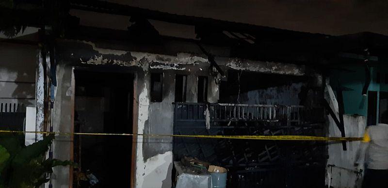 https: img.okezone.com content 2020 10 23 338 2298206 satu-keluarga-tewas-akibat-kebakaran-rumah-di-tangerang-Ag1r4lOQEx.jpg