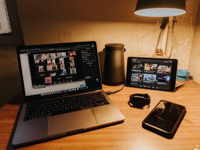 https: img.okezone.com content 2020 10 24 16 2298775 5-aplikasi-yang-efektif-membantu-bekerja-dari-rumah-wMjMqKvsFG.jpg