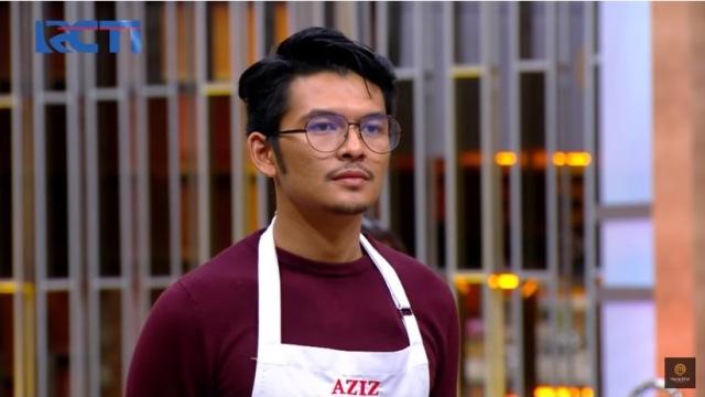https: img.okezone.com content 2020 10 24 298 2299004 tantangan-masak-ikan-chef-juna-kritik-keras-masakan-aziz-3HVtpT2sE0.jpg