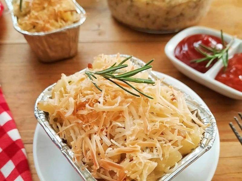 https: img.okezone.com content 2020 10 24 298 2299018 lezatnya-macaroni-schotel-yuk-bikin-sendiri-di-rumah-tn0qLKTBct.jpg