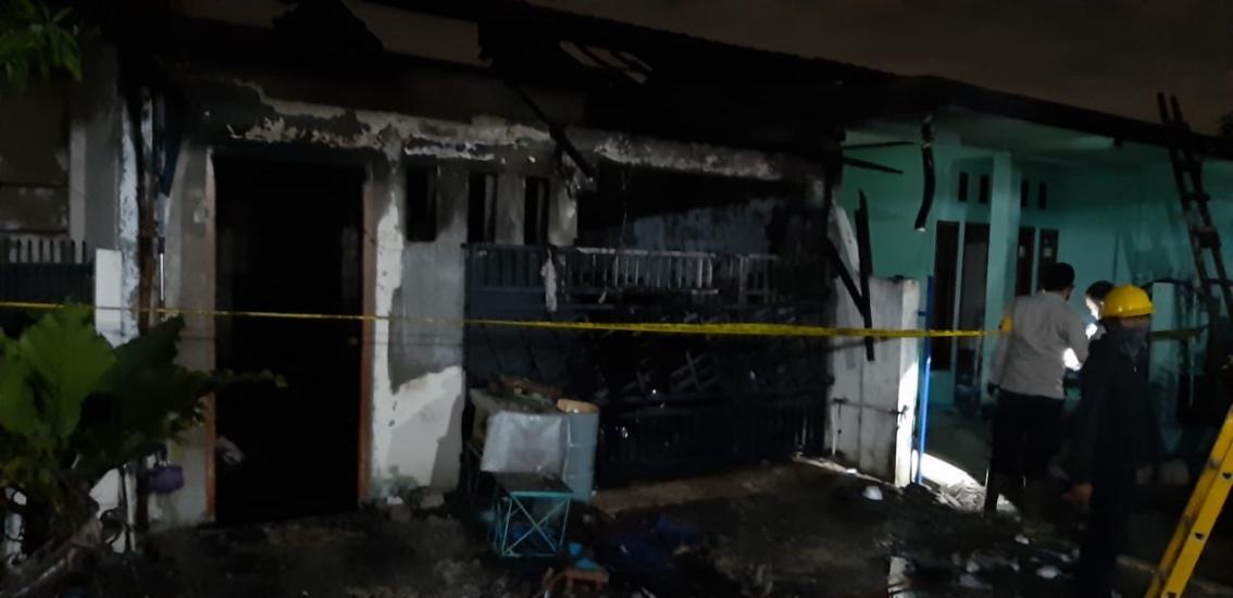 https: img.okezone.com content 2020 10 24 338 2298718 kebakaran-tewaskan-satu-keluarga-di-tangerang-polisi-periksa-3-saksi-NV9BJ2zM8M.jpg