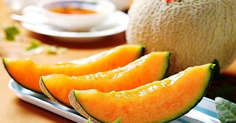 https: img.okezone.com content 2020 10 24 481 2299017 ketahui-khasiat-buah-blewah-untuk-ibu-hamil-3bmRo3fyjf.jpg