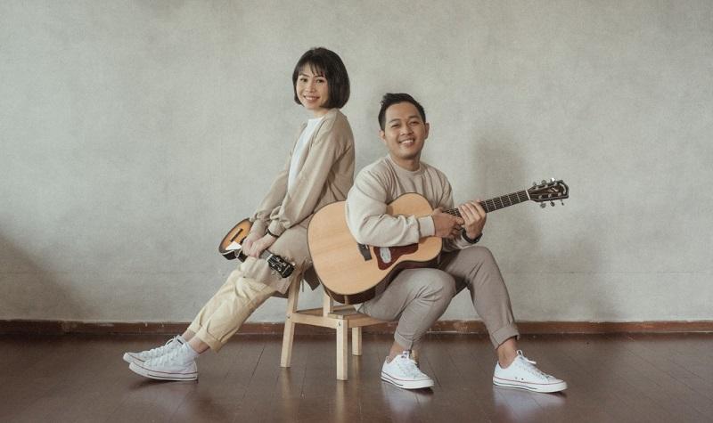 https: img.okezone.com content 2020 10 25 205 2299285 berawal-indie-duo-suara-kayu-gabung-major-label-di-indonesia-JUniAAkL4d.jpeg