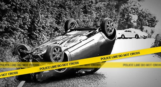 https: img.okezone.com content 2020 10 25 338 2299155 penyebab-mobil-sedan-terbalik-di-dekat-halte-senayan-RZ1b2GDWeC.jpg