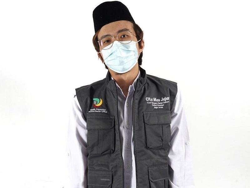https: img.okezone.com content 2020 10 25 612 2299277 dokter-tirta-ditantang-ribut-saat-sampaikan-pentingnya-pakai-masker-1m5dAAnXWE.jpg