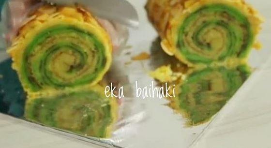 https: img.okezone.com content 2020 10 26 301 2299670 kue-english-makjoroll-kuliner-unik-dan-kekinian-khas-palembang-8tw1vjNviE.JPG