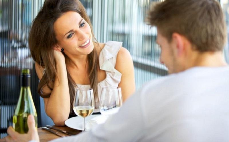 https: img.okezone.com content 2020 10 26 612 2299578 6-tanda-mantan-pacar-masih-cinta-simak-yuk-X2CgAGFQEc.jpg