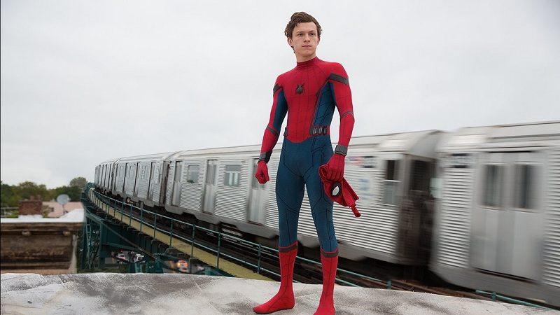https: img.okezone.com content 2020 10 27 206 2300276 tom-holland-beri-angin-segar-spider-man-3-segera-syuting-M0unT3zQMR.jpg