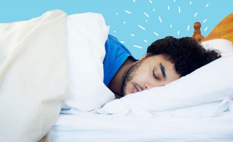 https: img.okezone.com content 2020 10 27 481 2300575 ketahui-bahaya-yang-mengintai-saat-anda-kurang-tidur-rcZHaISBJf.jpg