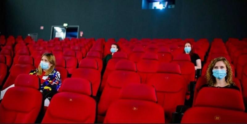 https: img.okezone.com content 2020 10 27 620 2300082 jelang-long-weekend-bagaimana-persiapan-pengusaha-bioskop-fnMghN1bie.jpg
